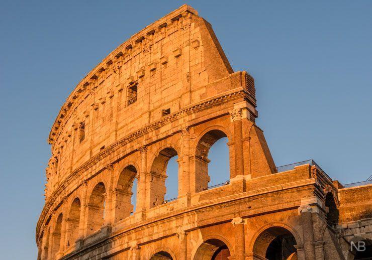 Puesta de sol en el Coliseo de Roma